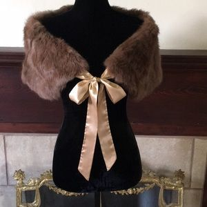 🦊 Bebe tan rabbit fur wrap. NWOT. 36x9x